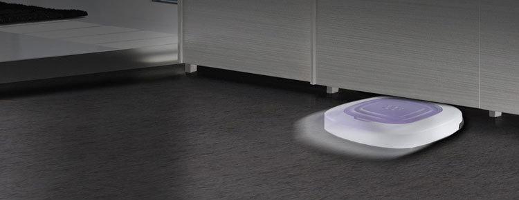 robot aspirapolvere in casa